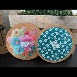 New Pioneer Woman Set of 2 Trivets